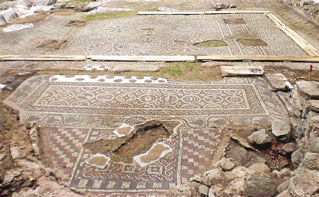 Βασιλική με σπάνια ψηφιδωτά ανακαλύφθηκε στην Προύσα   tovima.gr