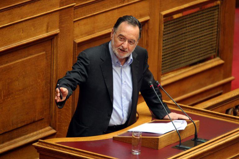 Βουλή: Πυρά ΣΥΡΙΖΑ κατά «κυβερνητικού δικομματισμού»   tovima.gr