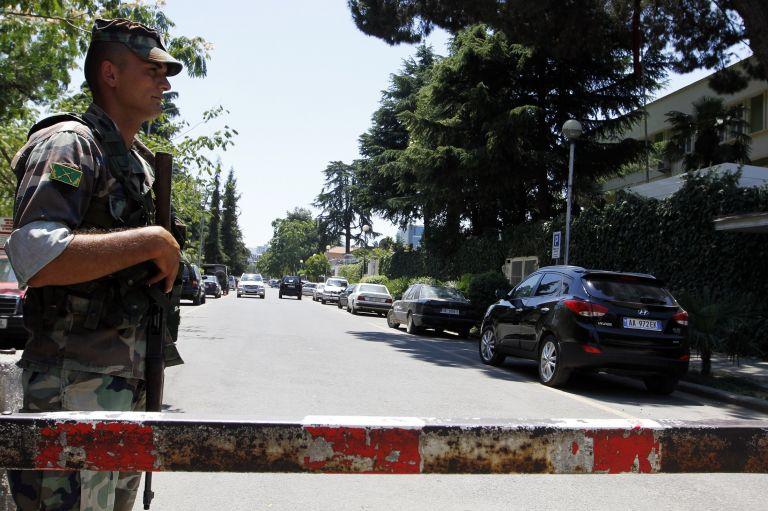 Αλβανία: Ενας νεκρός από πυρά αγνώστων σε εκλογικό κέντρο στην πόλη Λατς   tovima.gr