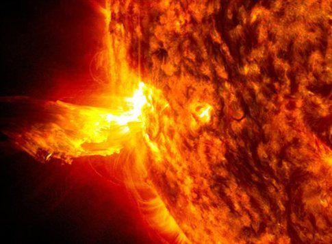 Με εορταστική έκρηξη τίμησε ο Ήλιος το ηλιοστάσιο | tovima.gr