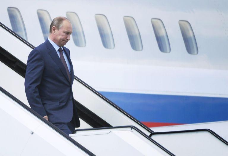 Πούτιν: Ο Σνόουντεν παραμένει στην ζώνη μετεπιβίβασης αεροδρομίου της Μόσχας   tovima.gr