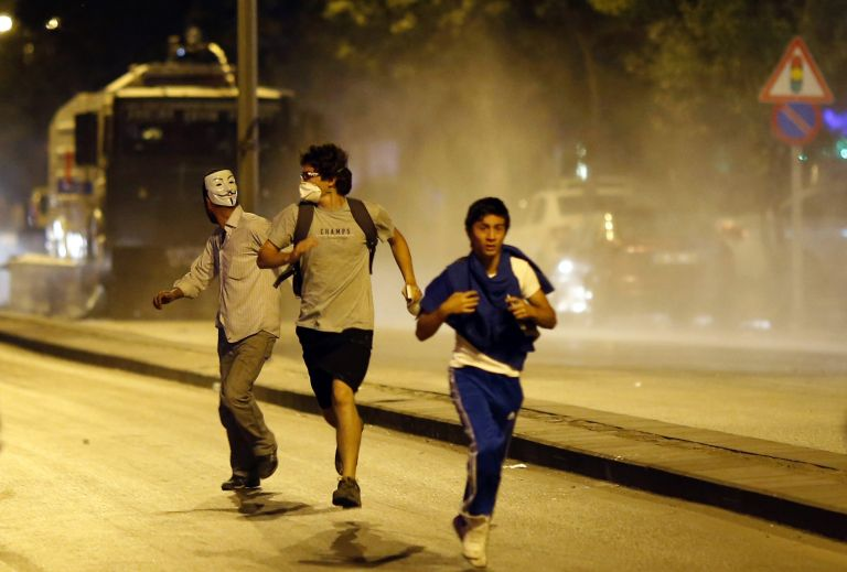 Τουρκία: Νέα επεισόδια μεταξύ διαδηλωτών-αστυνομίας | tovima.gr