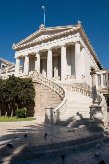 Σταύρος Ζουμπουλάκης: «Χρειάζεται χρόνος και δουλειά για μια Εθνική Βιβλιοθήκη που θα καμαρώνουμε» | tovima.gr