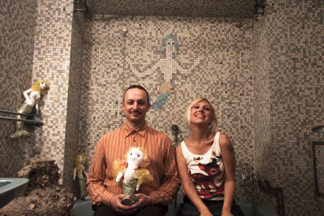 Ο Λαφοντέν… τραγουδά στην οικία Κατακουζηνού | tovima.gr