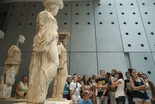 Increased revenue and visitors at museums and archeological sites   tovima.gr