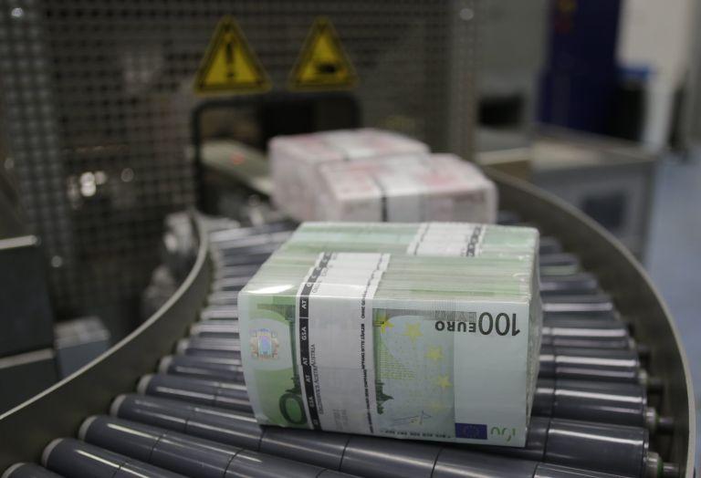 Ευρωπαϊκή Τράπεζα Ανασυγκρότησης: «Παγώνει» 6 δισ. προς Ελλάδα | tovima.gr