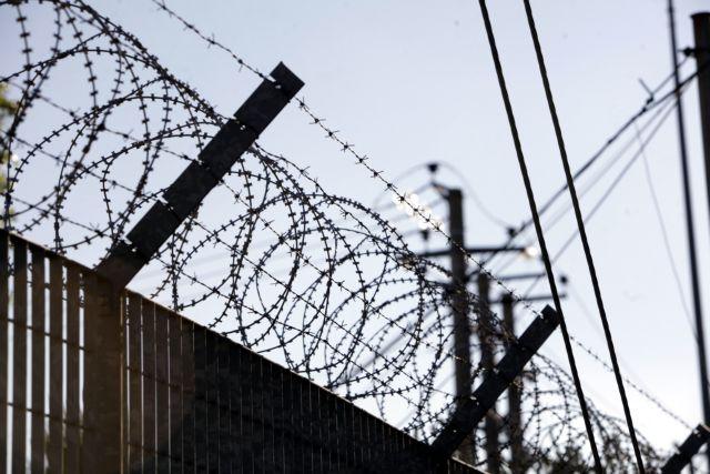 Αθώα παιδιά υπό κράτηση ως και 8 μήνες στην Αμυγδαλέζα | tovima.gr
