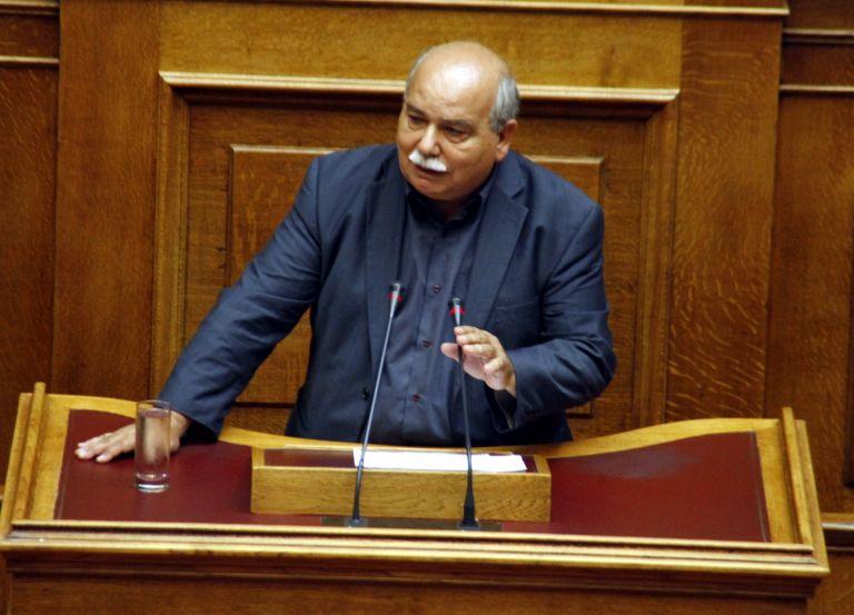 Βουλή: Πολιτική ένταση για την επέμβαση στο ραδιομέγαρο της ΕΡΤ | tovima.gr