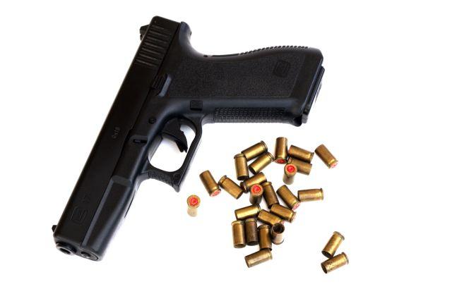 Με εξετάσεις η απόκτηση-ανανέωση άδειας οπλοφορίας σε πολίτες   tovima.gr