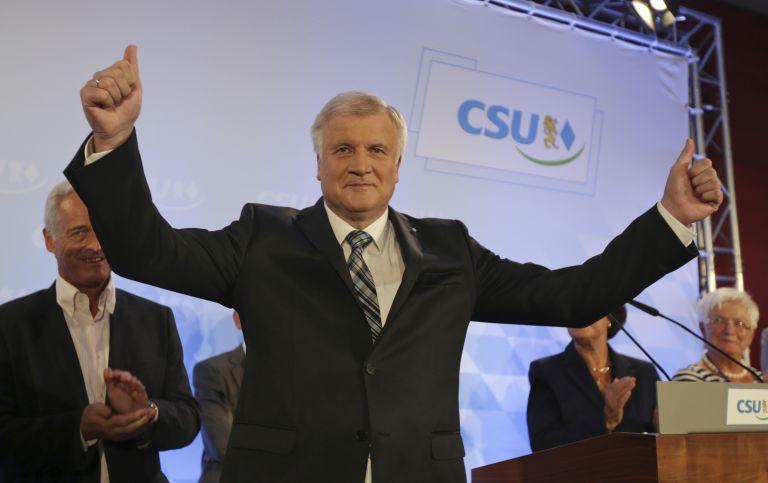 Μια κρίσιμη μάχη κέρδισε η Μέρκελ στις εκλογές στη Βαυαρία | tovima.gr