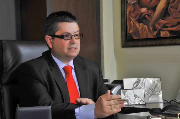 Συνήγορος Κασιδιάρη: Η θέση του κατηγορουμένου είναι ιερή   tovima.gr