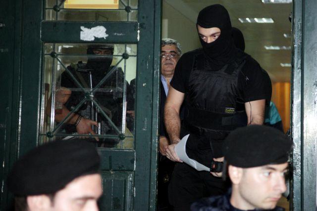"Patelis' telephone habits ""burned"" Michaloliakos' defense | tovima.gr"