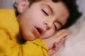 Τα παιδιά που κοιμούνται νωρίς προστατεύονται από την παχυσαρκία | tovima.gr