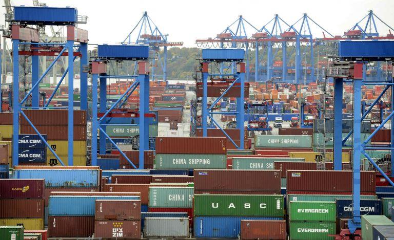 Απότομη πτώση καταγράφουν οι γερμανικές εξαγωγές το Δεκέμβριο | tovima.gr