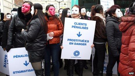 Γαλλία: θα διώκονται οι πελάτες της πορνείας προβλέπει νομοσχέδιο   tovima.gr