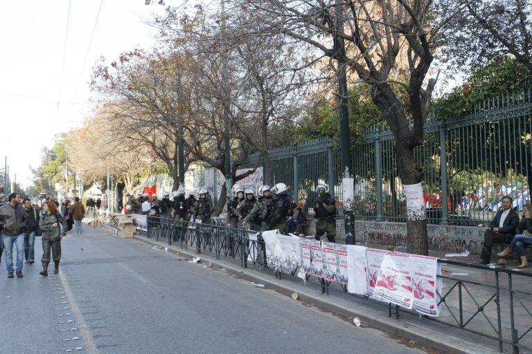 Kυκλοφοριακές ρυθμίσεις για τον τριήμερο εορτασμό του Πολυτεχνείου   tovima.gr