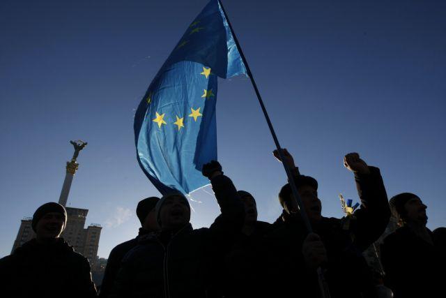 Ρωσία: Στα 18 δισ. ευρώ οι απώλειες από τις κυρώσεις της ΕΕ το 2015 | tovima.gr
