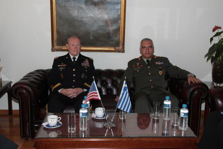 Επίσκεψη στην Ελλάδα του αρχηγού των Ενόπλων Δυνάμεων των ΗΠΑ | tovima.gr