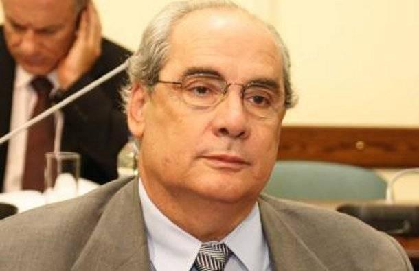 Β. Μιχαλολιάκος: «Κόμμα μου είναι ο Πειραιάς και δεν νοσταλγώ τη Βουλή»   tovima.gr