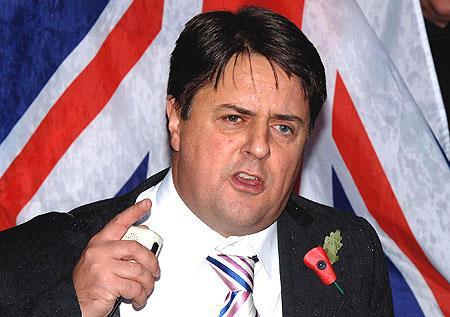 Χρεοκόπησε οικονομικά ο ηγέτης των Βρετανών ακροδεξιών Νικ Γκριφιν | tovima.gr