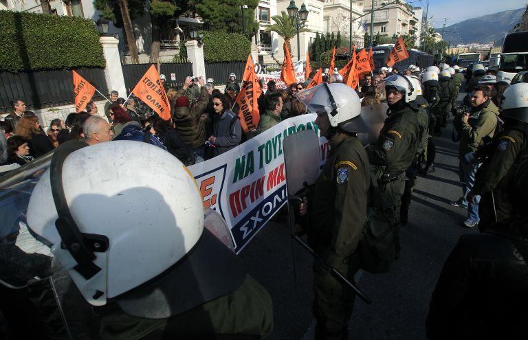 Εξω από το ΣτΕ παραμένουν οι εργαζόμενοι της ΠΟΕ – ΟΤΑ | tovima.gr