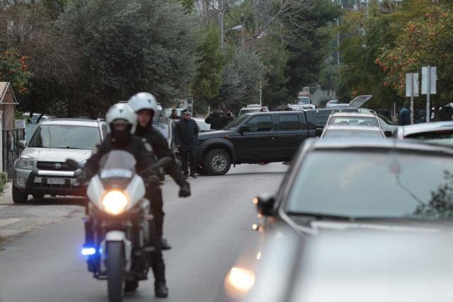 Συνελήφθη στον Πειραιά ο «κάπο» της μαφίας των Ρομά | tovima.gr
