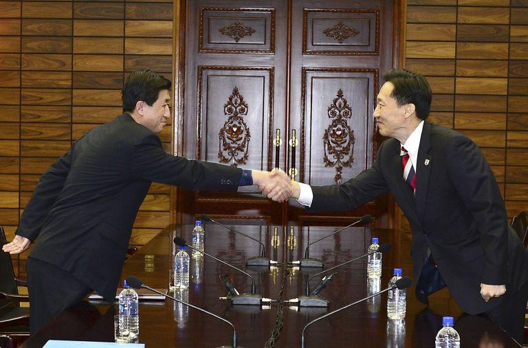 Σε συμφωνία κατέληξαν διμερείς συνομιλίες Πιόνγιανγκ-Σεούλ   tovima.gr