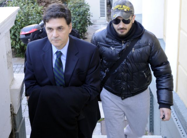 Filippidis faces examiner over controversial Postbank loans | tovima.gr