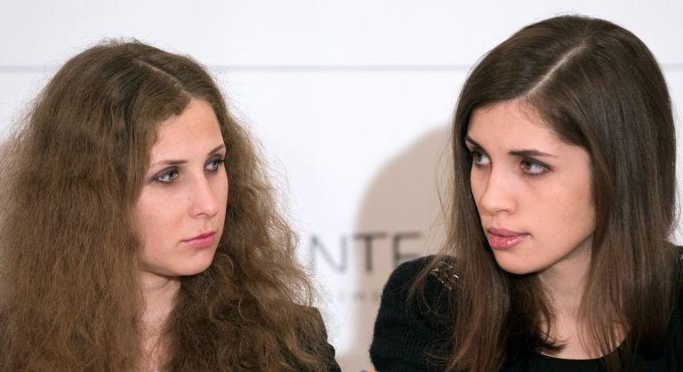Ελεύθερες οι δύο Pussy Riot που συνελήφθησαν στο Σοτσι   tovima.gr