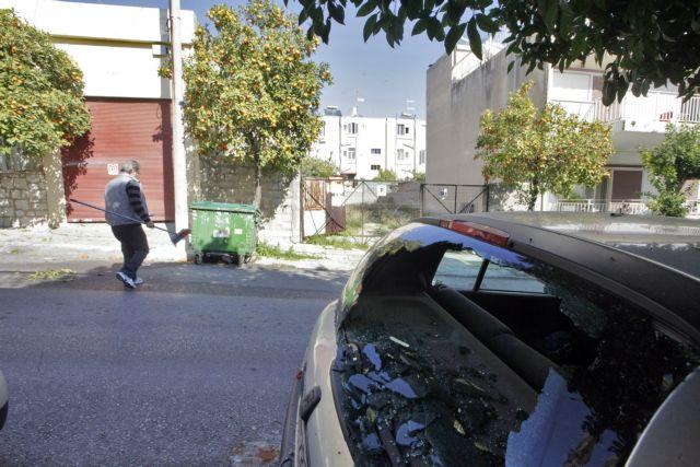 Police investigating hand grenade explosion in Agia Varvara | tovima.gr