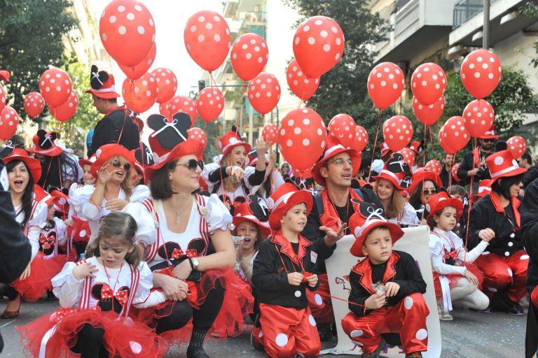 Πάτρα: 8.000 μικροί καρναβαλιστές στην παρέλαση του καρναβαλιού   tovima.gr