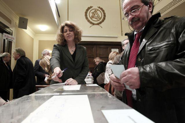 Εκλογές δικηγόρων: Βγήκαν τα «μαχαίρια» από τους δύο πρώτους   tovima.gr