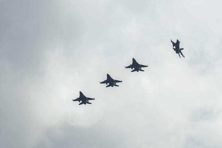 Μπαράζ προκλήσεων από 65 τουρκικά αεροσκάφη | tovima.gr