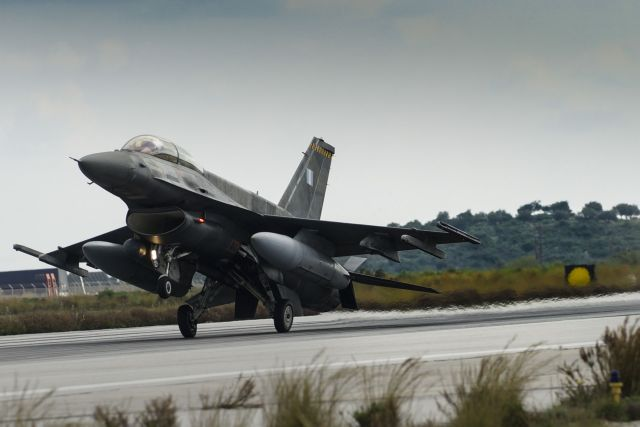 Θρίλερ με επιβατηγό αεροσκάφος στο ελληνικό FIR | tovima.gr