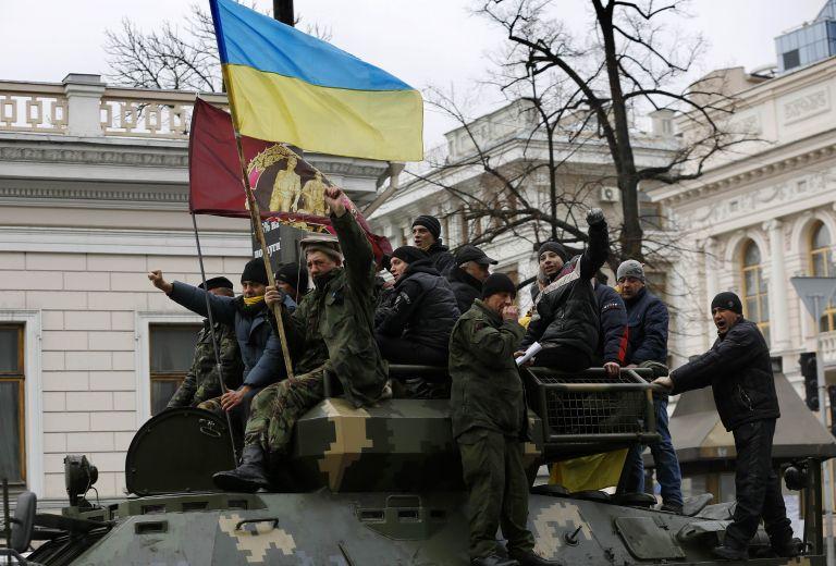 Ποροσένκο: Ετοιμοι να αποκρούσουμε επίθεση αν καταρρεύσει η εκεχειρία | tovima.gr