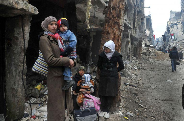 Εκθεση ΟΗΕ: Οπλα του Ασαντ η πολιορκία πόλεων και ο λιμός στη Συρία   tovima.gr