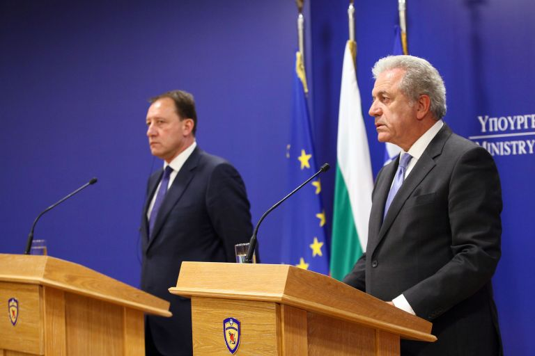 Αβραμόπουλος: Δεν θα υπάρξει άλλη επιβάρυνση για τα υποβρύχια | tovima.gr