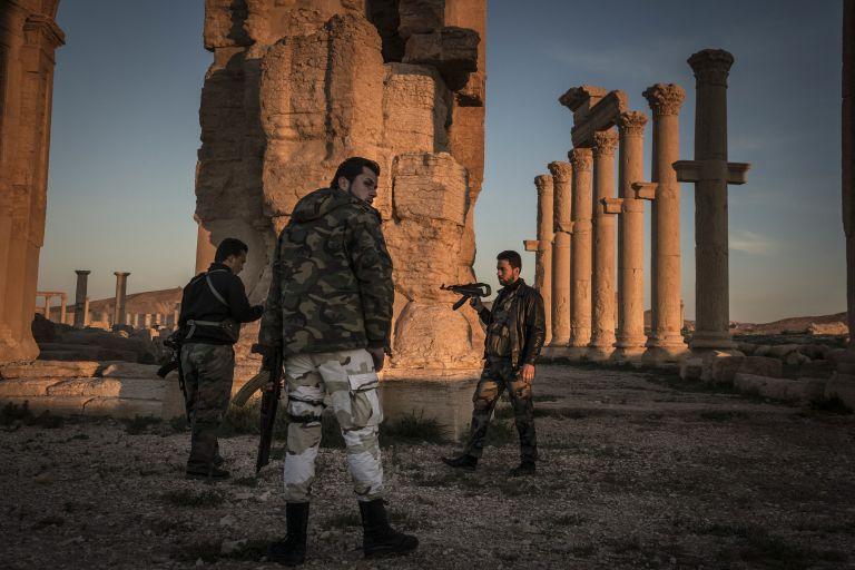 Οι τζιχαντιστές ανατίναξαν αρχαία «Αψίδα του Θριάμβου» στην Παλμύρα | tovima.gr