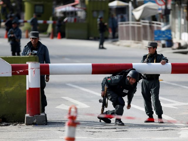 Αφγανιστάν: Τέσσερις νεκροί αστυνομικοί σε επίθεση αυτοκτονίας   tovima.gr