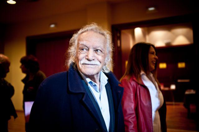 MEP Glezos scrutinizes Samaras for snubbing handover ceremony | tovima.gr