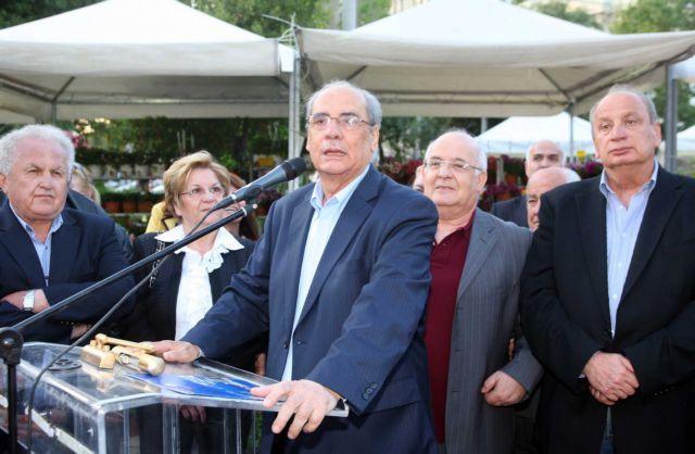 Παρουσία «φουσκωτών» στα εκλογικά τμήματα καταγγέλλει ο Μιχαλολιάκος   tovima.gr
