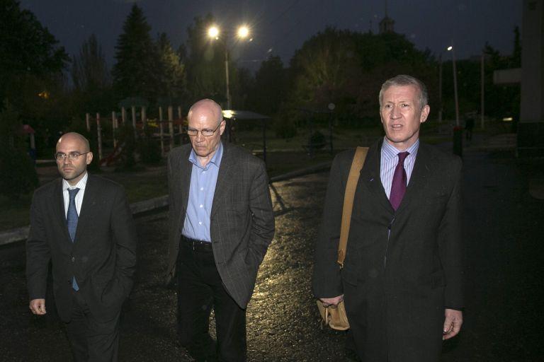 Σλαβιάνσκ: «Οι επτά παρατηρητές του ΟΑΣΕ θα απελευρωθούν σύντομα» | tovima.gr
