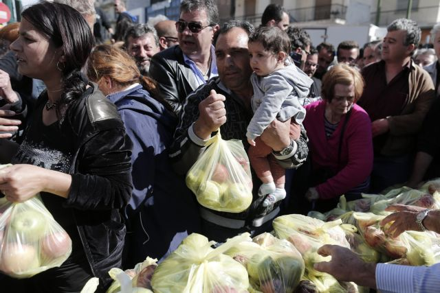 Open-air market federations vow to continue strike action   tovima.gr
