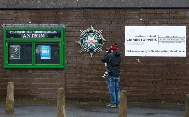 Η σύλληψη του Τζέρι Άνταμς αναστατώνει τη Βόρειο Ιρλανδία | tovima.gr