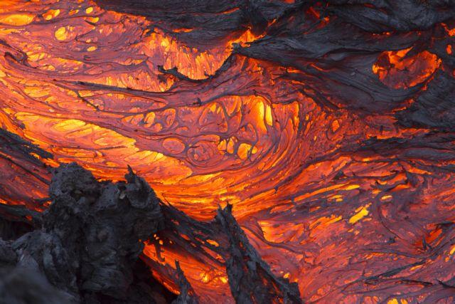 Η πτώση του αστεροειδούς πυροδότησε κατακλυσμικές ηφαιστειακές εκρήξεις | tovima.gr