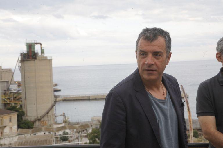 Σταύρος Θεοδωράκης: Δυσκολεύομαι να μη γελάσω με το δίλημμα Βενιζέλου | tovima.gr