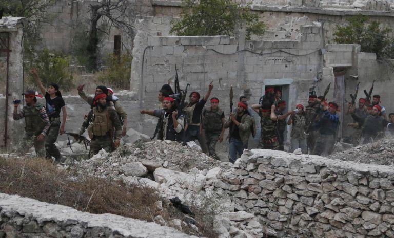 Οι αντικαθεστωτικοί εγκαταλείπουν τη Χομς μετά την συμφωνία με τον Ασαντ | tovima.gr