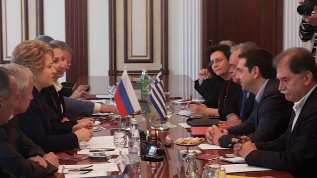 Tsipras visit to Russia affected by European sanctions   tovima.gr