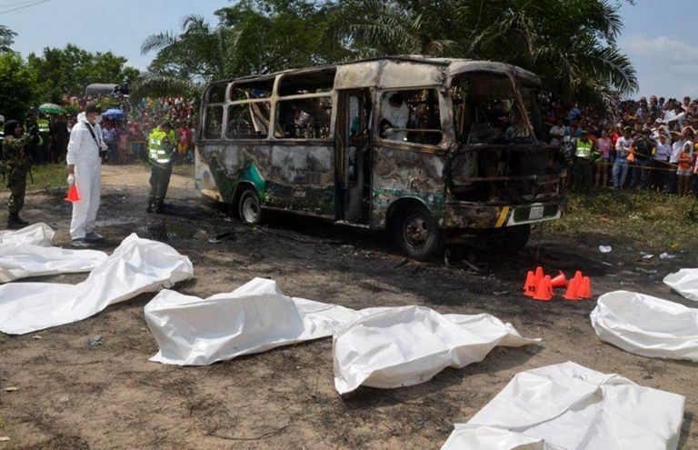 Κολομβία:Δεκάδες παιδιά κάηκαν ζωντανά σε λεωφορείο   tovima.gr