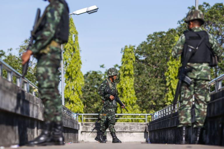 Ταϊλάνδη: Ρόλο «διαμεσολαβητή» αξιώνουν οι πραξικοπηματίες | tovima.gr